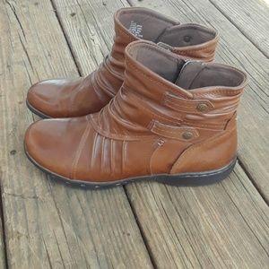 Rockport Cobb Hill Pandora Almond Ankle Boots 6M